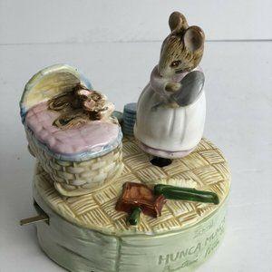 Vintage Beatrix Potter Hunca Munca Music box